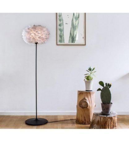 lampa podłogowa eos do dekoracji ściany