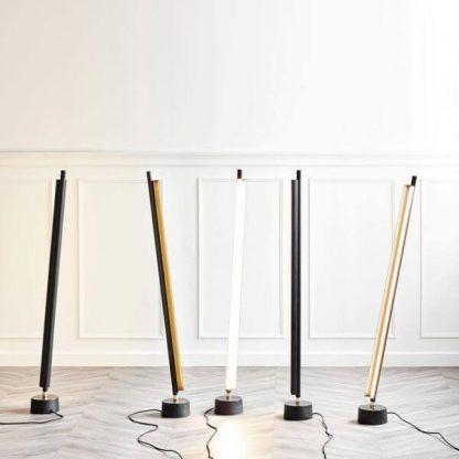 Lampa podłogowa w różnych kolorach