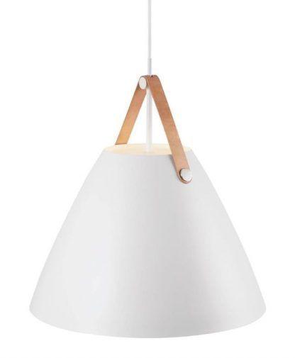 lampa skandi do powieszenia nad stołem w salonie