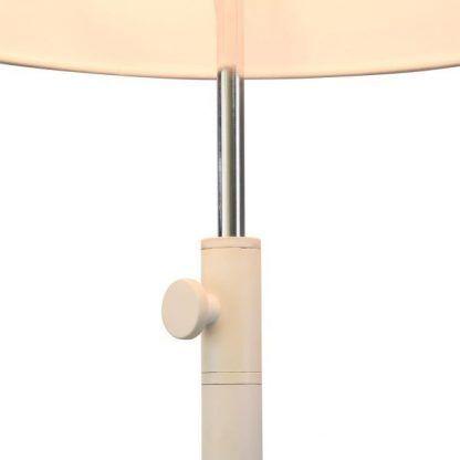 lampa stołowa biała na cienkiej nóżce