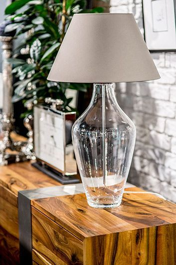 lampa stołowa do mebli z naturalnego drewna
