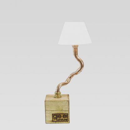 Lampa stylizowana na drzewko bonzai do salonu