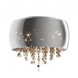 Jasna lampa z pięknymi kryształami i szklanym kręgiem