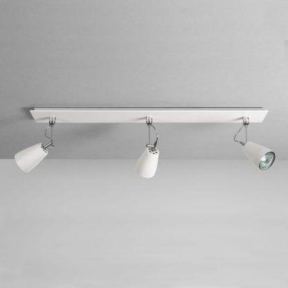 lampa sufitowa z 3 reflektorami styl skandynawski