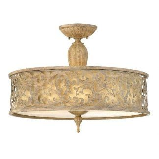 lampa sufitowa z beżowym abażurem klasyczna