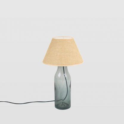 Lampa szklana z beżowym abażurem i czarnym przewodem