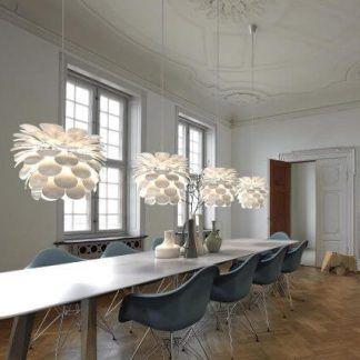 Lampa w kształcie kwiatu do nowoczesnej jadalni