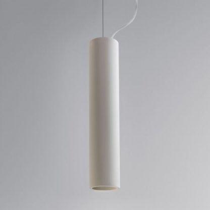 lampa wisząca biała tuba na stalowej lince do sypialni