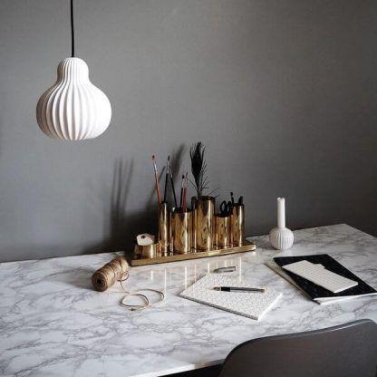 lampa wisząca do marmurowego blatu lub stołu