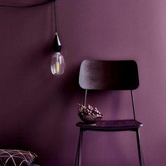 lampa wisząca na kablu - żarówka dekoracyjna na ścianie