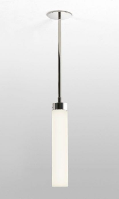lampa wiszaca szklana idealna do łazienki nad szafkę