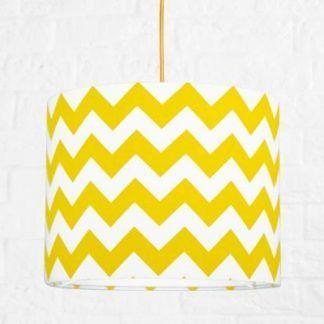 Lampa wisząca z abażurem w biało żółte zygzaki