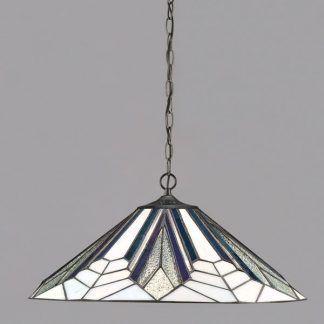 lampa wisząca z dużym witrażowym kloszem