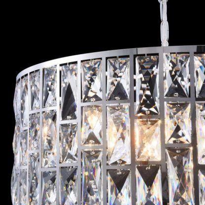 lampa wisząca z pionowych kryształów glamour