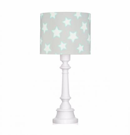 Lampa z białą podstawą z szarym abażurem gwiazdki