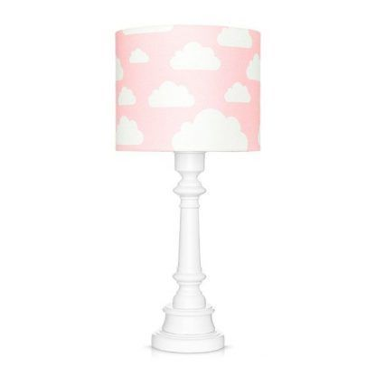 Lampa z drewnianą podstawą i różowym abażurem