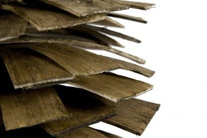 lampa z gontu drewnianego - wisząca nowoczesna