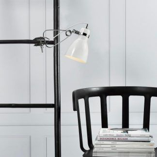 lampa z klipsem do czytania na półkę lub łóżko