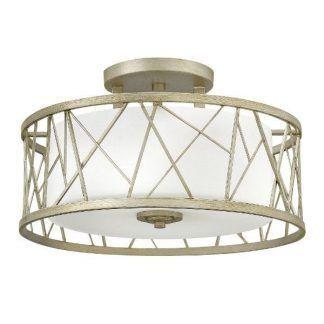 Lampa z kloszem w geometrycznej oprawie