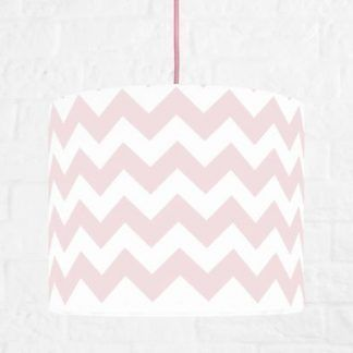 Lampa z różowym kablem w biało różowe wzory