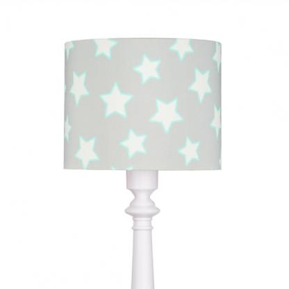 Lampa z szarym abażurem w białe gwiazdki