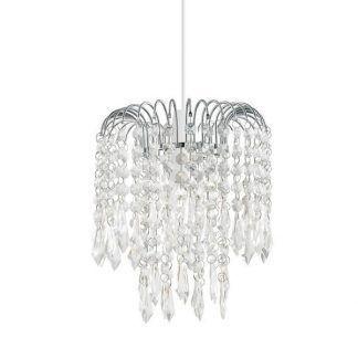Lampa z wiszącymi kryształkami na srebrnej podstawie