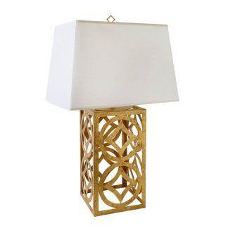 Lampa ze złotą ażurową podstawą i białym abażurem sypialnia