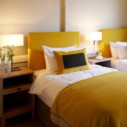 lampki stołowe do sypialni - oświetlenie nocne na szafkę
