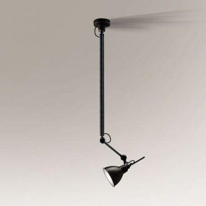 metalowa lampa wisząca na wysięgniku czarny klosz