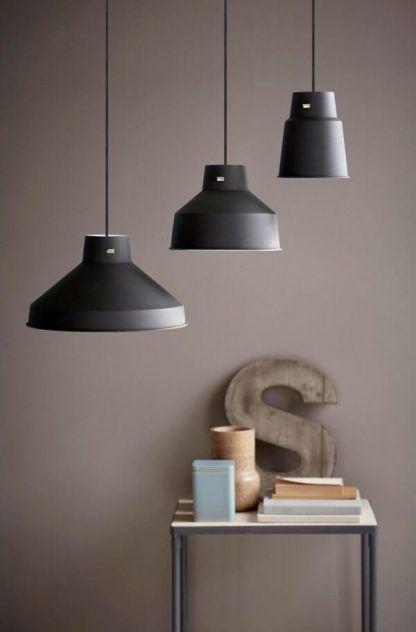 Metalowe lampy w stylu industrialnym do sypialni