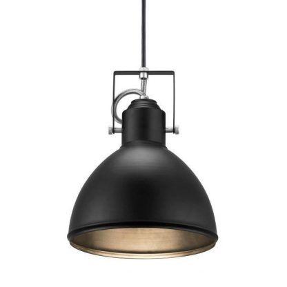 Metalowy klosz w czarnej lampie wiszącej