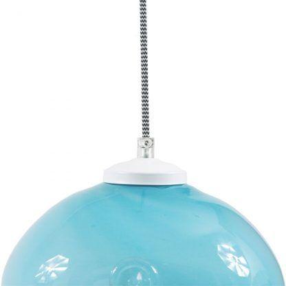 niebieska lampa szklana nad stół w kuchni