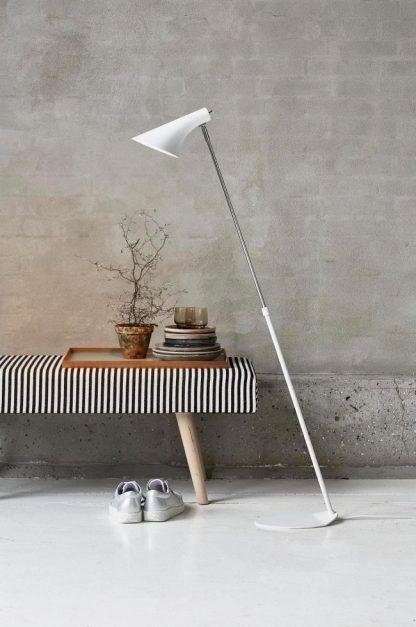 Nowoczesna lampa podłogowa do salonu - biała