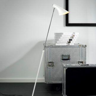 Nowoczesna lampa podłogowa w białym kolorze