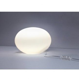 nowoczesna lampa stołowa z mlecznego szkła biała