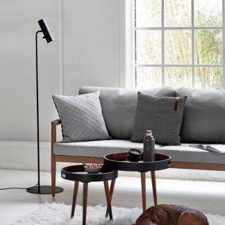nowoczesna skandynawska lampa podłogowa do sofy w szarym kolorze