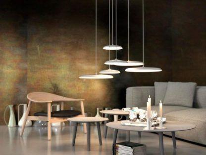 nowoczesne lampy wiszące płaskie klosze do salonu