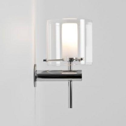 nowoczesny i elegancki kinkiet ze szklanym okręgiem