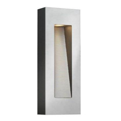nowoczesny kinkiet do oświetlenia klatki schodowej