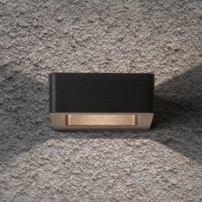 nowoczesny kinkiet zewnętrzny czarny kwadratowy - elewacja