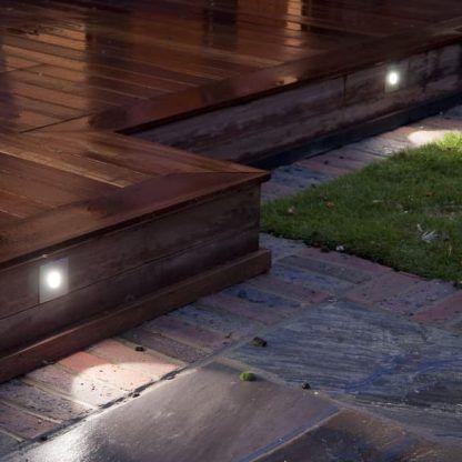 oczka do oświetlenia tarasu - podłogowe