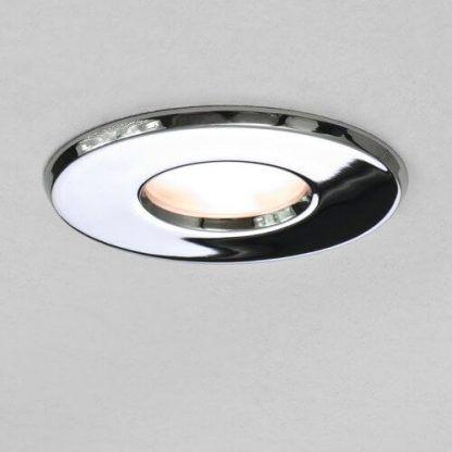 srebrne nowoczesne oczko led do sufitu podwieszanego w łazience