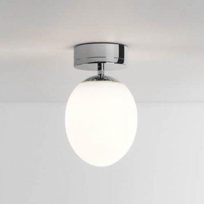 okrągła lampa sufitowa szklany klosz - nowoczesna łazienka