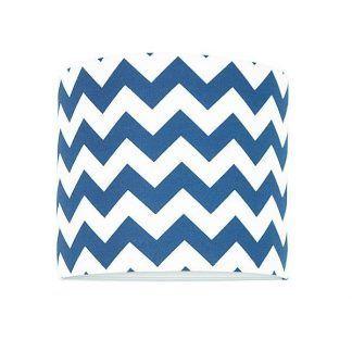 Okrągły abażur z biało niebieskim wzorem zygzaki