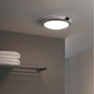 okrągły plafon łazienkowy srebrny do szarej ściany