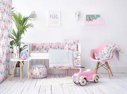oświetlenie różowego pokoju dla dziewczynki - inspiracje