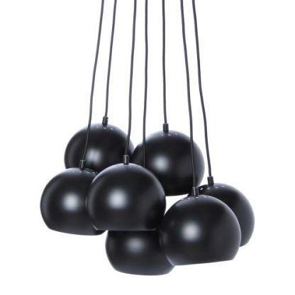 pęk lamp typu ball wiszacych kul w czarnym kolorze