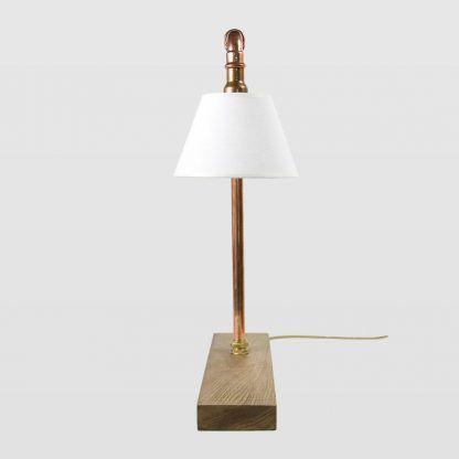 piękna miedziana lampa stojąca z rur - biały abażur