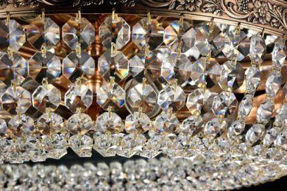 Plafon z kryształkami do salonu