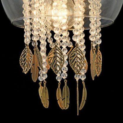 plafon ze zdobionymi kryształami - kula szklana